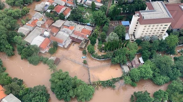 Wartawan Senior: Banjir Jakarta, Cara Alam Tunjukkan Rezim Jokowi akan Hapus IMB & Amdal dari Syarat Izin Investasi
