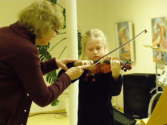 Ahtme Kunstide Koolis meistriklassi tunnid viiuliõpilastele - P1240015.JPG