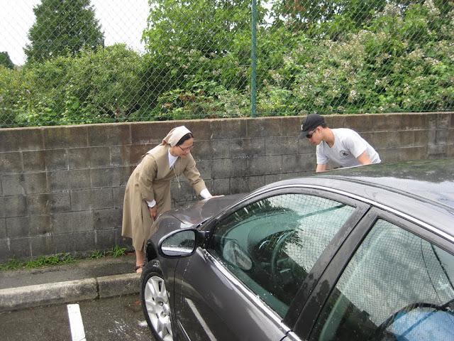 Altar Servers Car Wash 2011 - IMG_5853.jpg