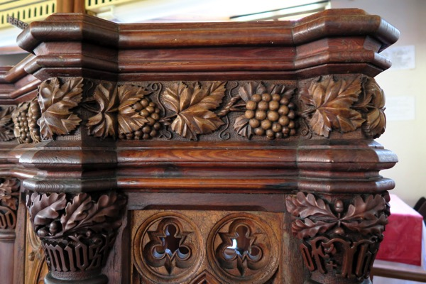 SJC Pulpit Detail
