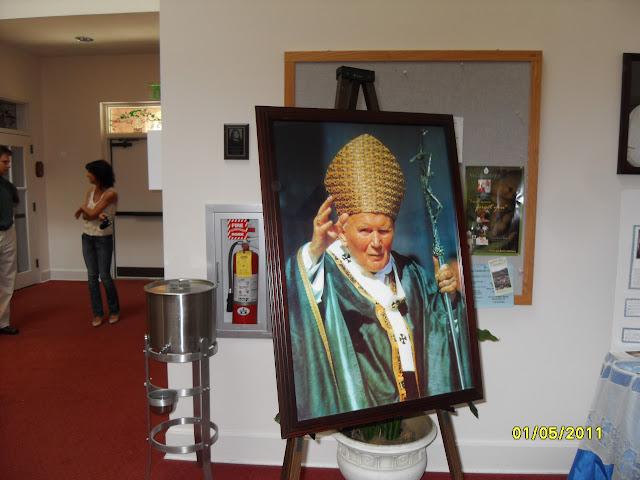 5.01. 2011 Dzień Beatyfikacji Jana Pawła II w Watykanie. Niedziela Miłosierdzia Bożego. - SDC12542.JPG