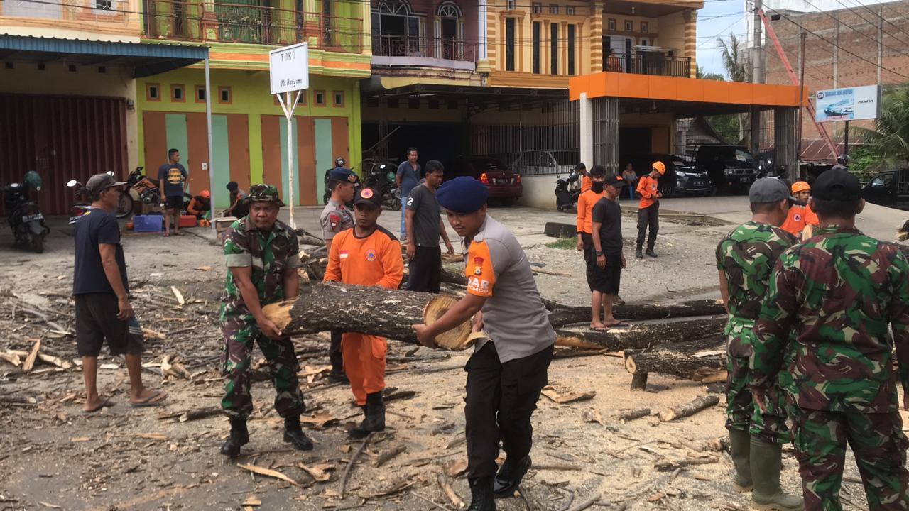 Personel BPBD, Brimob dan Kodim 1407 Serta Polres Bone Kembali Turun Jalan Lakukan Ini