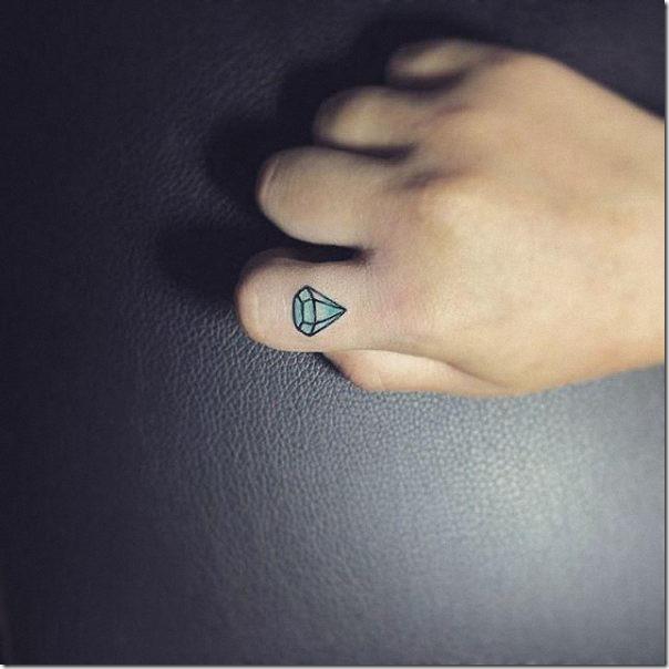 tatuaje_de_diamante_en_el_dedo