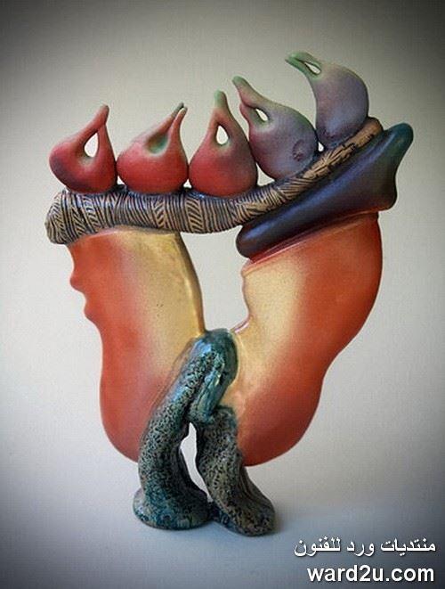 تكوينات تجريدية فى ابداع الخزافة Helen Fielder