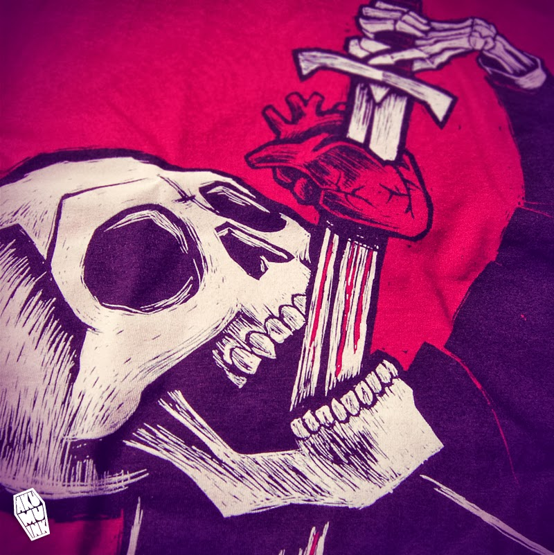 akumu ink, skull sword, skull swallow sword, skull tshirt, heart sword, skeleton freakshow, skull freak show, swordswallower skull, skeleton sword swallower
