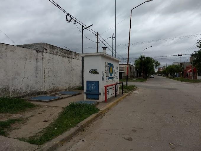 Baja presión: Aguas trabaja en la Estacion de Rebombero de B. Coronel Aguirre por un problema