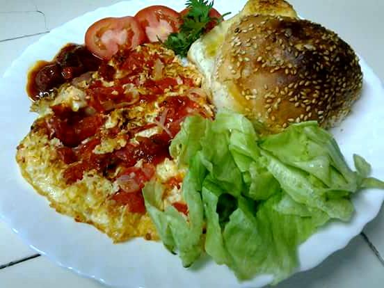 Tomato Chili Omelet Recipe