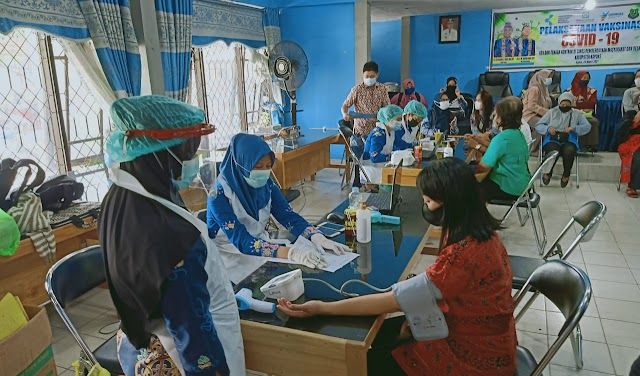 ASN dan Pegawai DPMD Terima Suntik Vaksin Dosis Dua