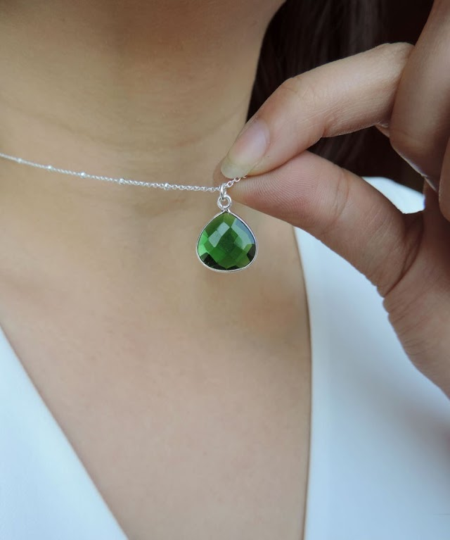 Buy certified gemstones online: anytime anywhere