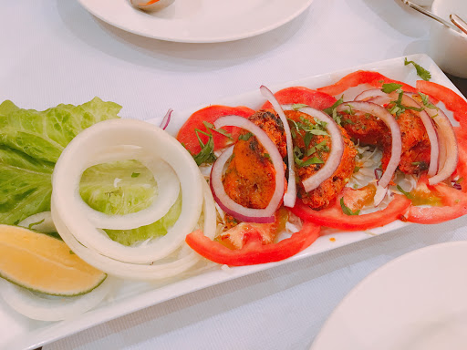 印度主廚料理的純正印度料理! 算是中部難得我喜歡的印度料理 烤肉跟甩餅都很好吃