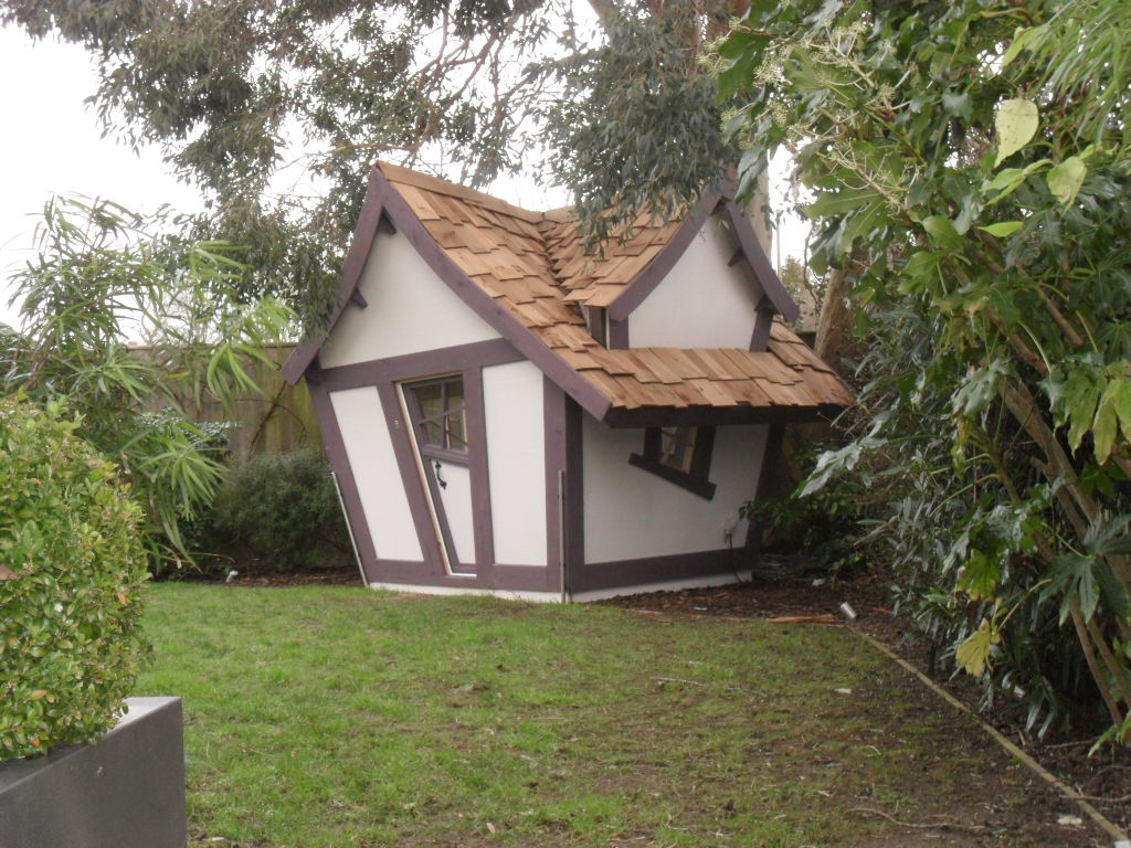 Little crooked playhouse enchanted creations playhouses for Hobbit style playhouse