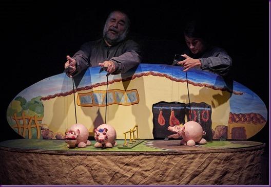 Los_tres_cerditos_Teatro_Arbol_Zarag[1]