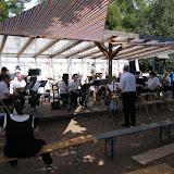 Harmonie bei dem Sommerfest der Jugend- und Tierfarm