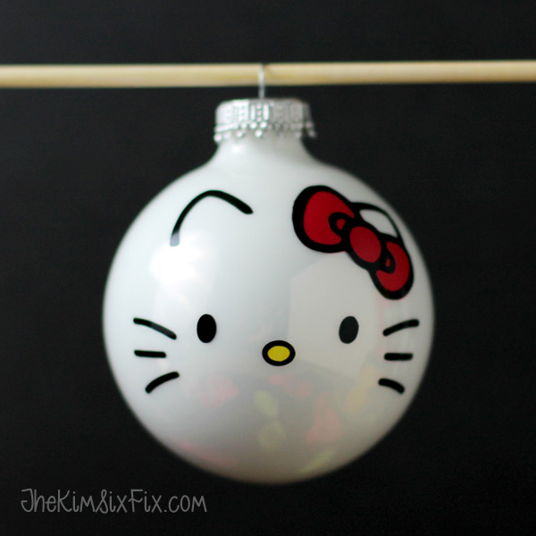 Easy Hello Kitty Christmas Ornament using vinyl scraps and my Silhouette
