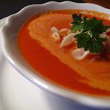 Zupa krem pomidorowy z makaronem i śmietanką