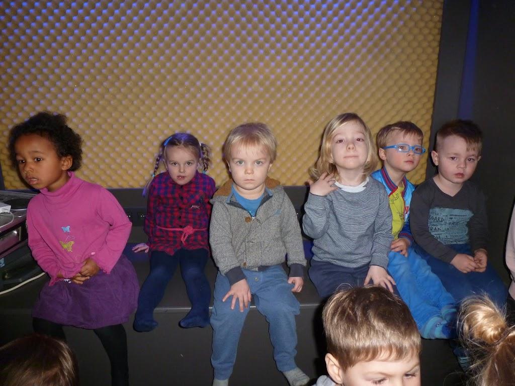 Leefgroep 1 op bezoek in een muziekkamer - P1080924.JPG