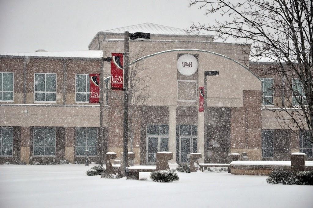 UACCH Snow Day 2011 - DSC_0015.JPG