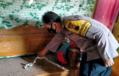 Tertimpa Petasan Balon Udara, Rumah Nenek Rodiyah Nyaris Hancur Kena Ledakan