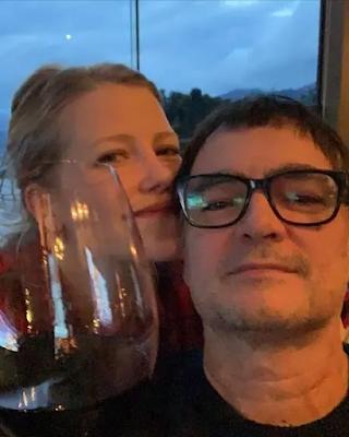 Samuel Rosa se mudou para  São Paulo após casamento com a atriz Laura Sarkovas