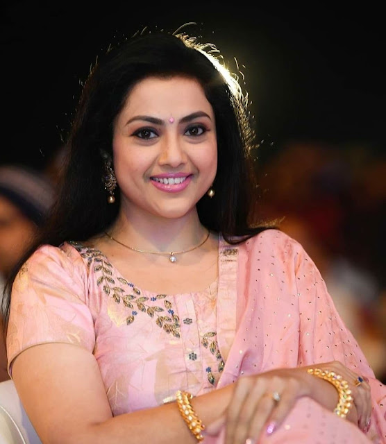 Malayalam Actress Meena Hot