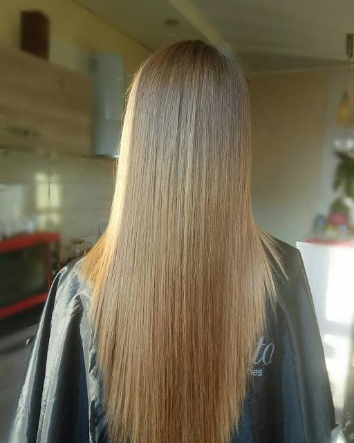 Кератинове вирівнювання волосся