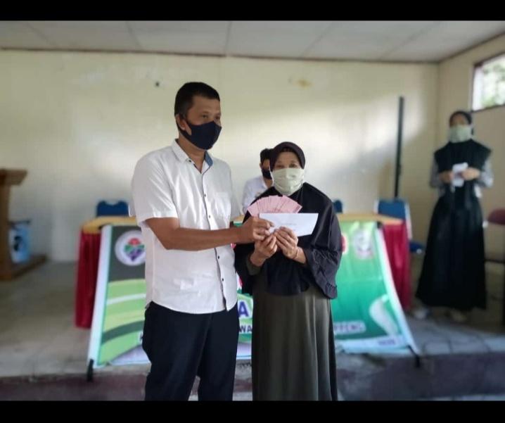 Desa Watu Kembali Salurkan BLT Tahap Kedua