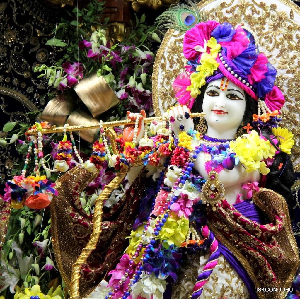ISKCON Juhu Sringar Deity Darshan on 25th August 2016 (48)