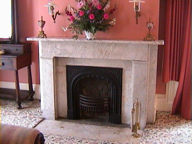 0480Inside_a_Southern_Mansion_-_New_Orleans