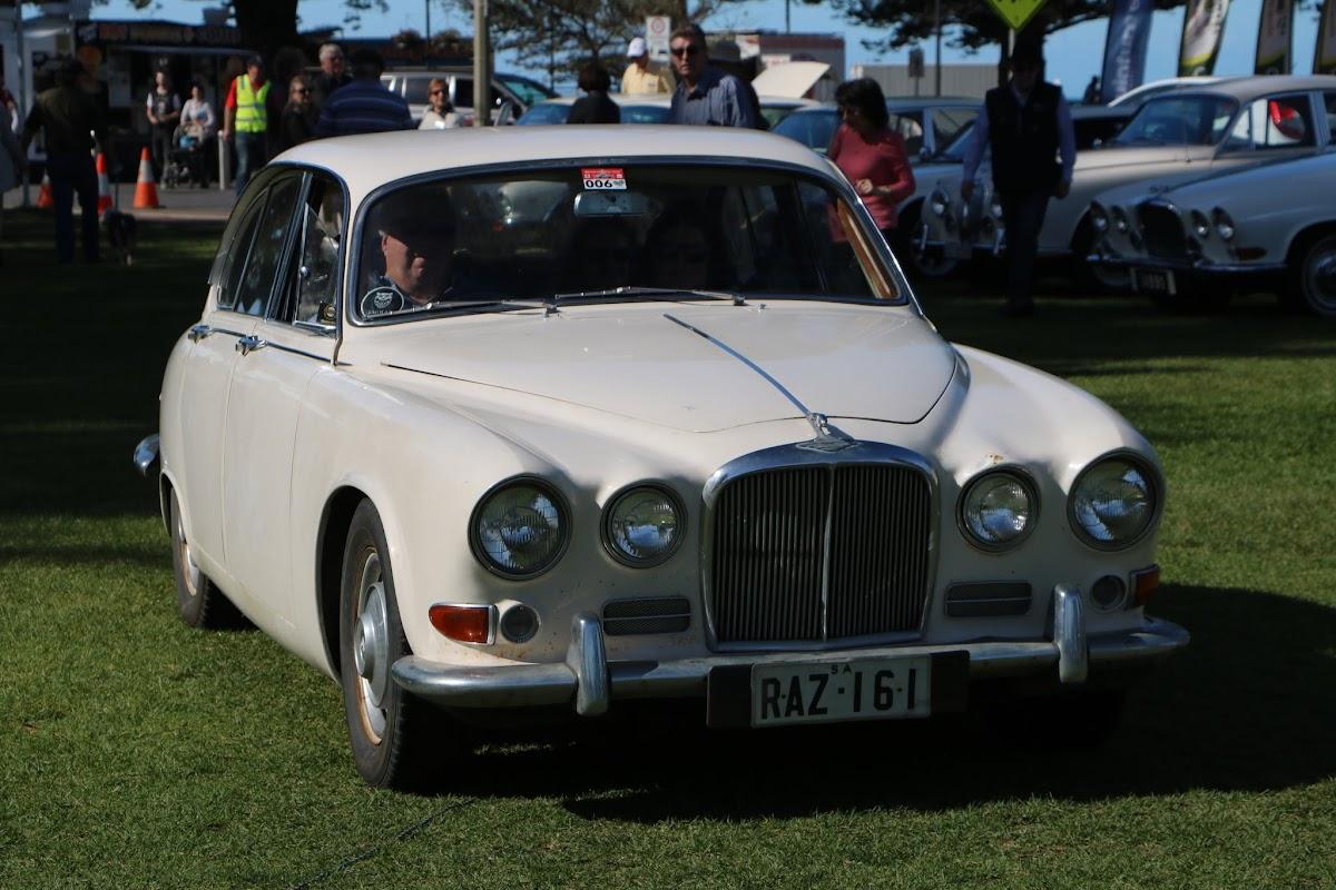 Jaguar 420G -  British_Classic_Tour_6_May_2018_0198.JPG