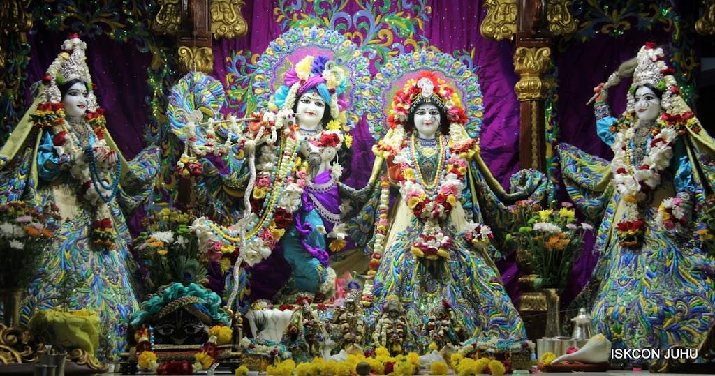 ISKCON Juhu Sringar Deity Darshan on 28th April 2016 (1)