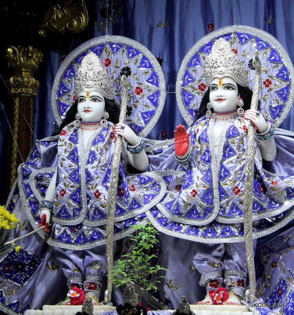 ISKCON Juhu Mangal Deity Darshan on 11th Aug 2016 (3)