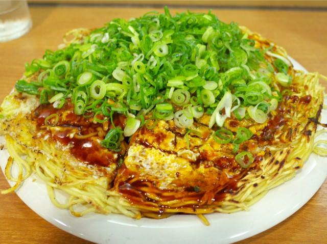 お好み焼き@そば肉玉子(そばトリプル3玉+ネギ盛り)
