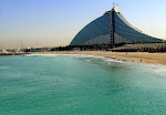 Jumeirah_Beach_Hotel_on_25_December_2007_Pict_1.jpg