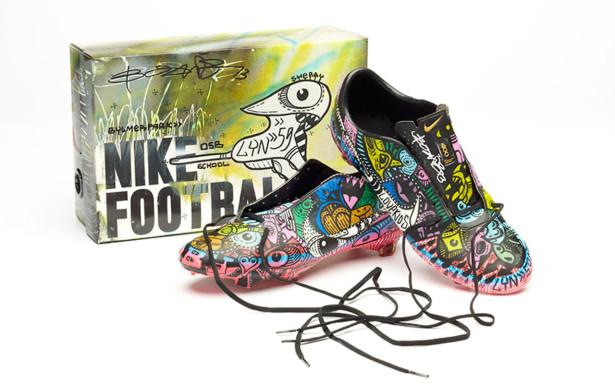tin giaydabanhsanco vn  jpg54 615x385 Đôi giày ấn tượng  và ý nghĩa của Ryan Babel