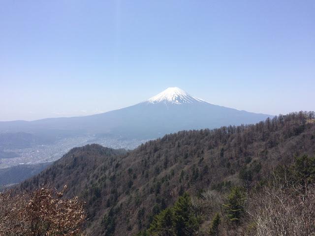三つ峠山荘前 富士山