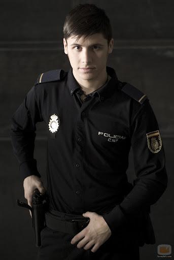 Goyo, Alex Hernández