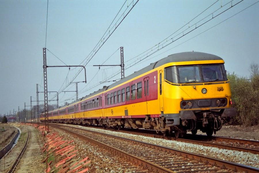 Bs stuurstand Benelux Katelijne 'L25' 15h47 IC-A 2462 A'dam Cs - FBMZ hle 1192 avF525.030SNN .jpg