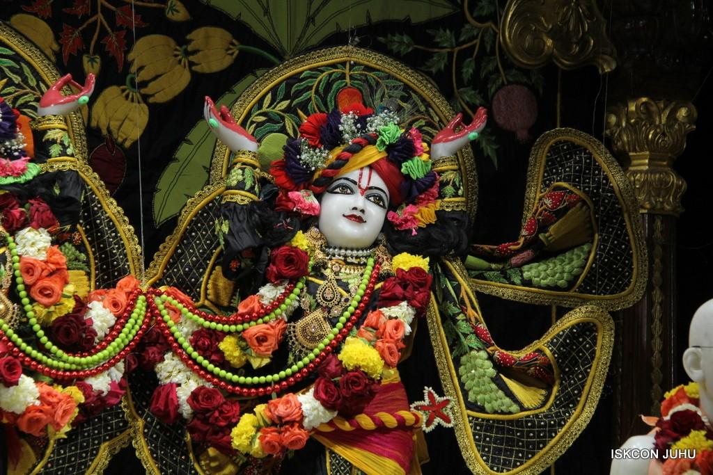 ISKCON Juhu Sringar Deity Darshan on 31st Dec 2016 (35)