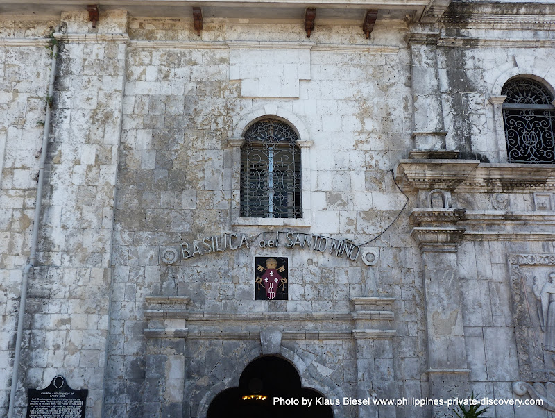 Cebu . Eglise Santo Nino  Photo by naruwan and not by Klaus Biesel