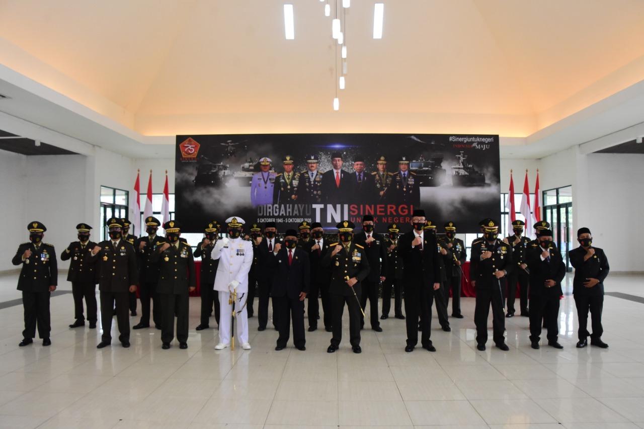 Korem 091/ASN Wira Yudha Gelar Upacara HUT TNI ke 75 Secara Virtual