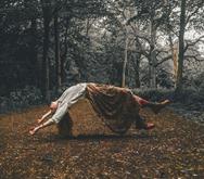 levitación brujas brujeria witch magia negra blanca roja escribir una novela de fantasia edad media medievo medieval hechicera
