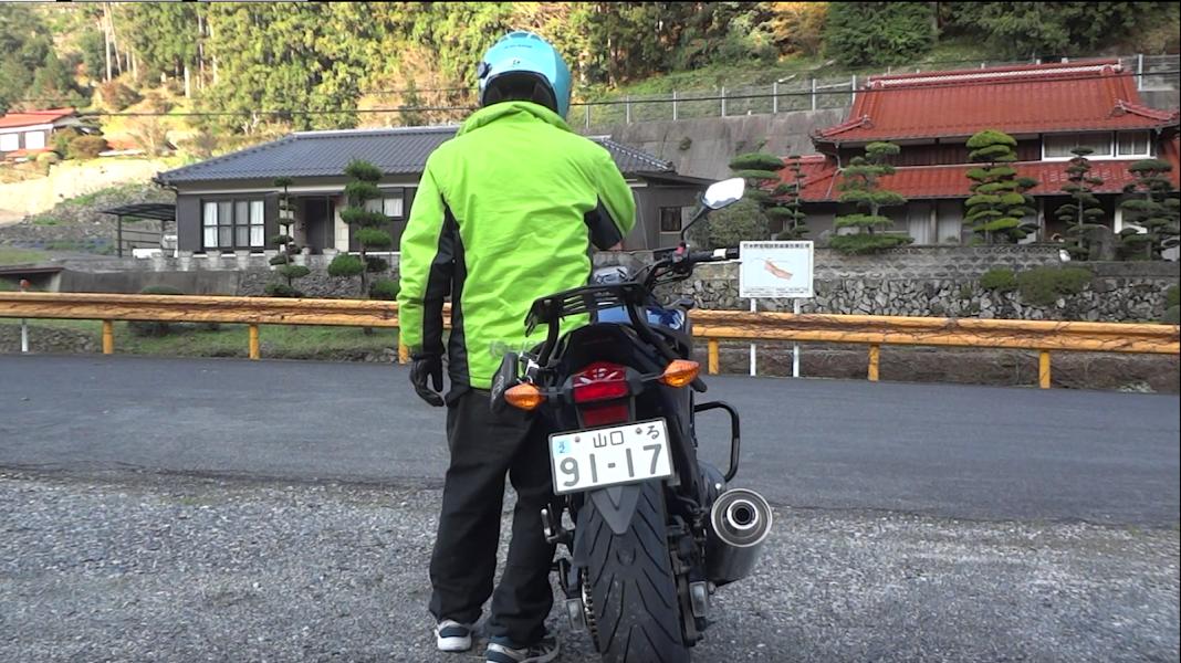 大型バイクも楽々取り回し!コツはズバリ【金八先生作戦】