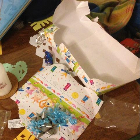 Ausgepackte Geschenke