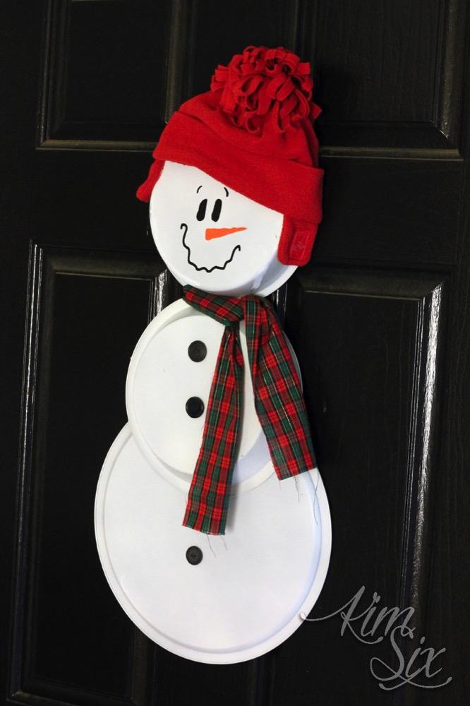 Painted pie pan snowman