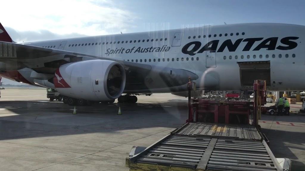 エアバスA380で成田空港に着陸すると着陸料100万円