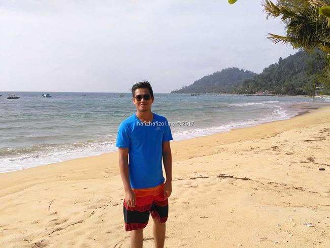 gambar lelaki kacak di pulau tioman