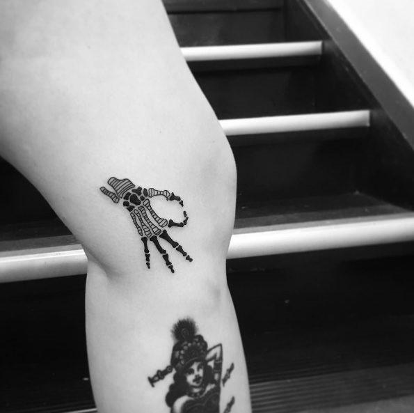 este_esqueleto_da_mo