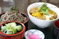そばカツセット(味噌汁、漬物付)