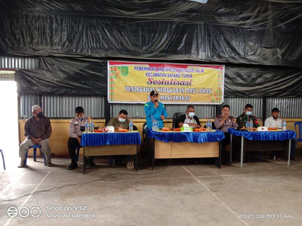 Diadakan di Desa Pasir Emas, Pemcam Batang Tuaka Taja Sosialisasi Bahaya Karlahut dan Banjir