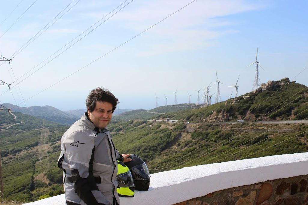Carregar a bateria da moto até... Gibraltar IMG_4487